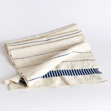 Axum table runner - cobalt