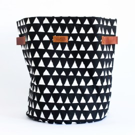 Triangle storage basket